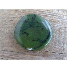Jáde (nefrit) lapos ásvány marokkő