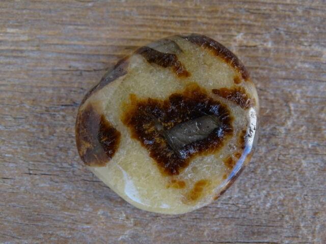 Szeptária lapos ásvány marokkő