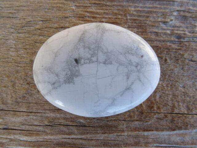 Howlit lapos ásvány marokkő